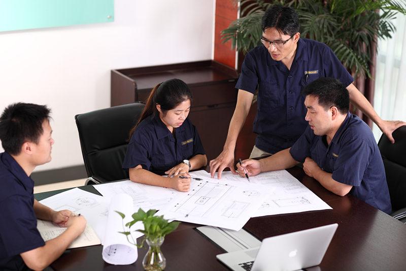 Design gratuit de sistem și QUOTE Servicii gratuite de design și cotație sunt oferite de echipa noastră tehnică GOMON. Suntem întotdeauna aici pentru a vă ajuta și a oferi sfaturi acolo unde este necesar, dați-ne un telefon sau un e-mail, pentru a putea începe. Echipa noastră tehnică GOMON va proiecta un sistem de apă caldă special pentru casa dumneavoastră. Suntem bucuroși să vă sfătuim cu privire la soluția optimă pentru a vă atinge obiectivele, chiar dacă aceasta înseamnă recomandarea unor soluții alternative de apă caldă.